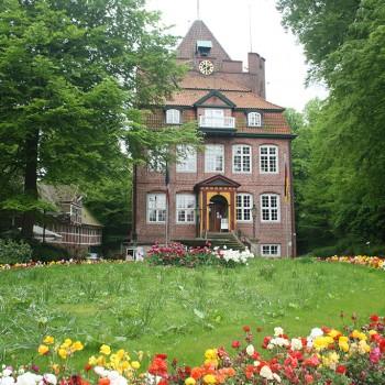 PCC-Schloss-Ritzebuettel_BettinaF_pixelio_klein